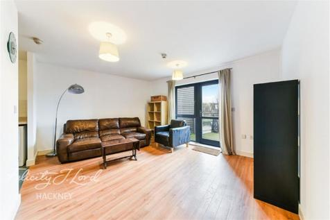 Waterfront House E5. 3 bedroom flat