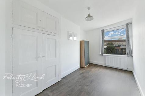 Rendlesham Road E5. 2 bedroom flat