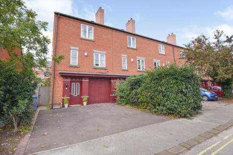 Calvert Street, Derby. 4 bedroom town house for sale