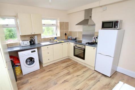 2 Bedroom Flat | Inner Avenue | Available NOW. 2 bedroom flat