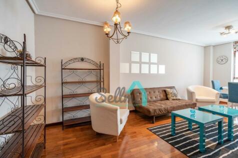 Asturias, Oviedo, Oviedo. 2 bedroom duplex