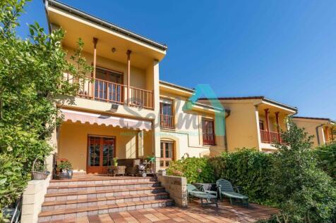 Asturias. 5 bedroom terraced house for sale