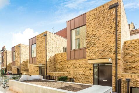 Hand Axe Yard, London, WC1X. 3 bedroom terraced house