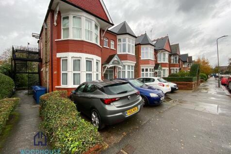 Westbury Road, London, N12. 2 bedroom flat