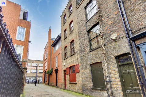Puma Court, Spitalfields, E1. 5 bedroom terraced house for sale
