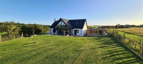 Pencraigwen, Llannerchymedd, Anglesey, LL71. 5 bedroom detached house for sale