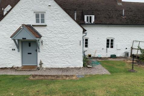 Bryngwyn NP15. 4 bedroom terraced house
