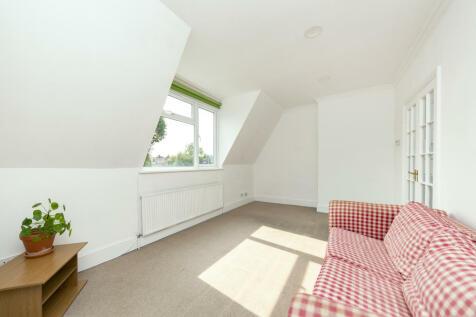Upper Richmond Road, SW15. 1 bedroom flat