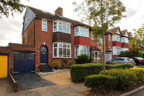 St. Ronans Crescent, Woodford Green. 4 bedroom semi-detached house