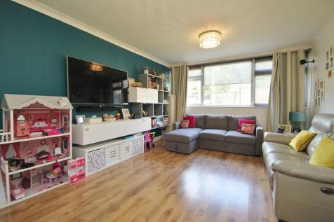Cavendish Avenue, Woodford Green. 2 bedroom apartment