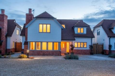 London Road, Harlow. 4 bedroom house for sale