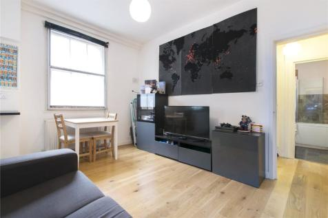 The Cloisters, 145 Commercial Street, London, E1. 1 bedroom flat