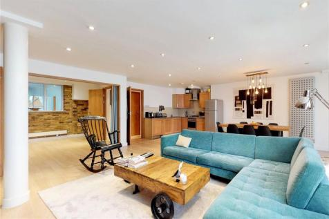 Galaxy House, 32 Leonard Street, London, EC2A. 2 bedroom flat