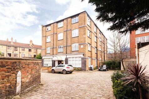 Adelina Yard, 22 Adelina Grove, London, E1. 1 bedroom flat