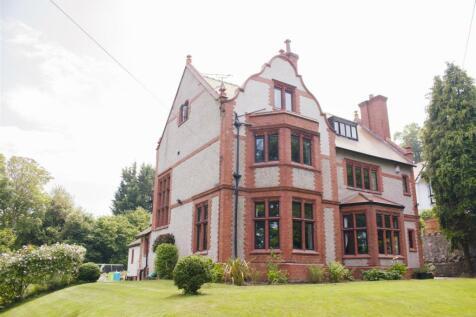 Queens Drive, Colwyn Bay. 6 bedroom house