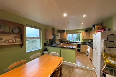 Beaumont Road, Lipson, Devon, PL4. 6 bedroom terraced house