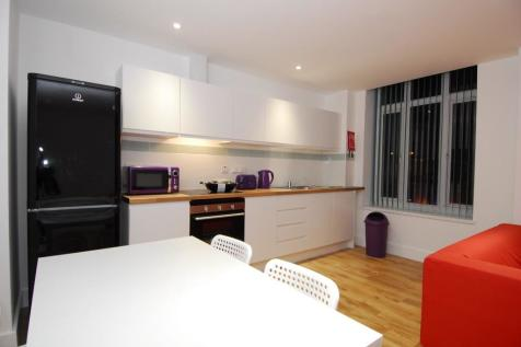 St. Andrews Cross, Plymouth, Devon, PL1. 3 bedroom flat share