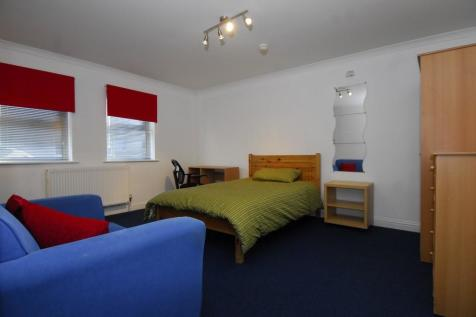 Oxford Street, Plymouth, Devon, PL1. 1 bedroom apartment