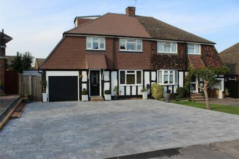 Gainsborough Close, RAINHAM, GILLINGHAM, Kent. 4 bedroom semi-detached house
