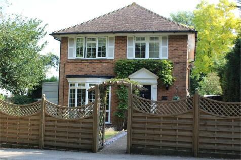 Mierscourt Road, RAINHAM, Kent. 3 bedroom detached house