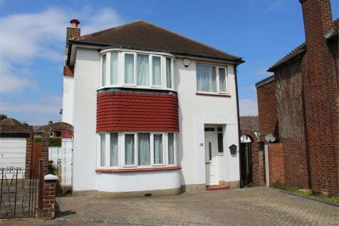 Derby Road, DARLAND, Kent. 3 bedroom detached house