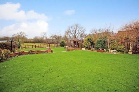 Purton Stoke, Wiltshire, SN5. 4 bedroom detached house for sale