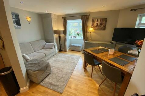 Parnell Way, Harrow, Middlesex. 2 bedroom flat
