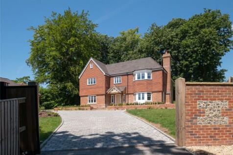 Bath Road, Marlborough, Wiltshire, SN8. 5 bedroom detached house for sale