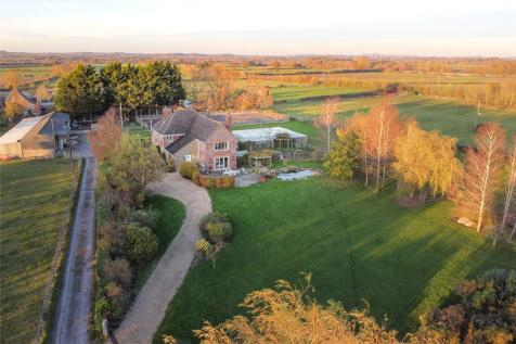 Wanborough, Swindon, Wiltshire, SN4. 5 bedroom equestrian facility for sale