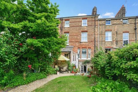 Cornwall Road, Dorchester, DT1. 5 bedroom terraced house