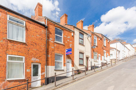 Victoria StreetWest ParadeLincolnLincolnshire. 2 bedroom terraced house