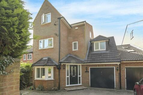 Milton Road, Harpenden. 6 bedroom detached house for sale