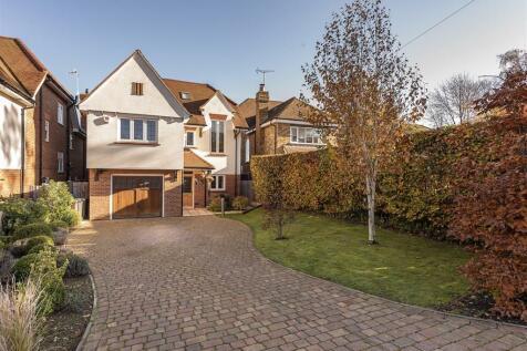 Roundwood Park, Harpenden. 5 bedroom detached house for sale