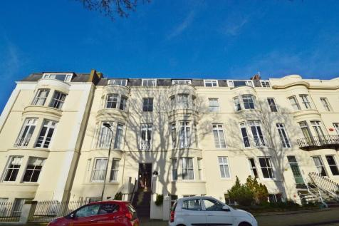 Albion Road, Scarborough. 1 bedroom ground floor flat