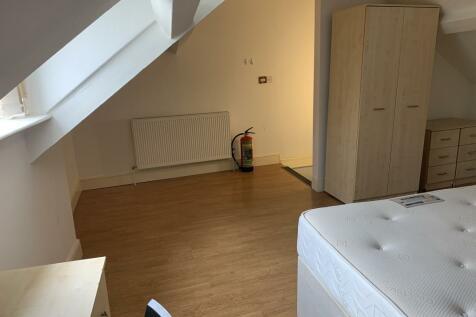 86 Mansel Street. 5 bedroom terraced house