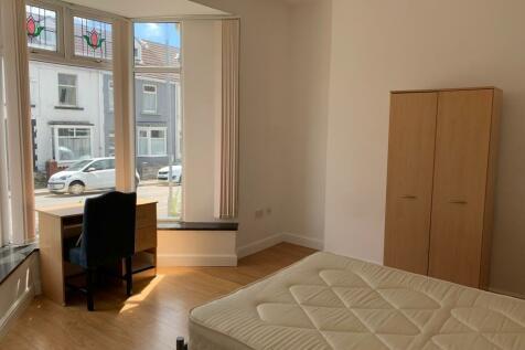 14 Westbury Street Swansea SA1 4JN. 6 bedroom terraced house