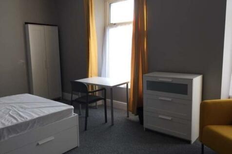 68 King Edward Road. 5 bedroom house of multiple occupation