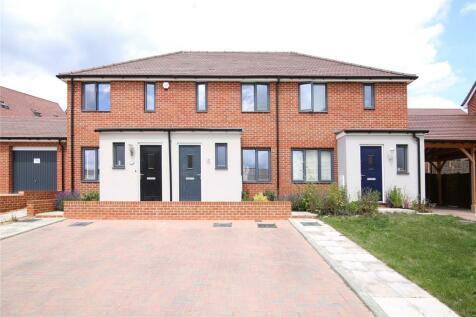 Bailey Drive, Castle Hill, Ebbsfleet Valley, DA10. 2 bedroom terraced house