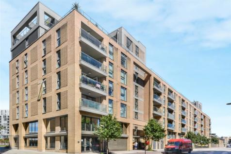 Babbage Point, Norman Road, Greenwich, SE10. 2 bedroom flat