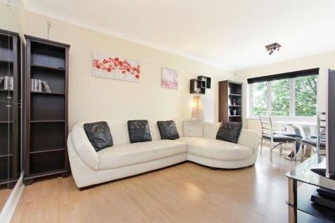 Glamis Place, London, E1W. 2 bedroom flat