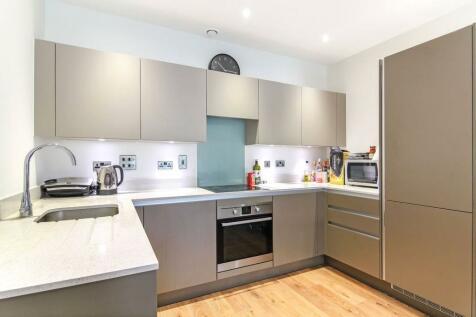 Lighterman Point, 3 New Village Avenue, London, E14. 2 bedroom flat
