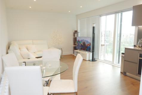 305 Kidbrooke Park Road, London, SE3. 1 bedroom flat