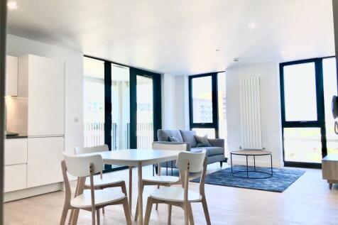 Schooner Road, Royal Wharf, E16. 1 bedroom flat