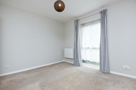 Berrylands Surbiton KT5. 1 bedroom apartment