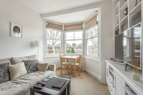 Balaclava Road Surbiton KT6. 1 bedroom apartment