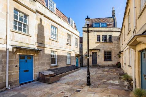 St. Anns Place Bath BA1. 3 bedroom maisonette