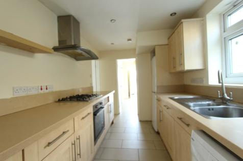 Great Cambridge Road, Enfield, Middlesex, EN1. 3 bedroom semi-detached house