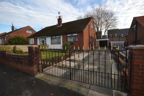 Balcarres Avenue, Whelley, Wigan, WN1. 4 bedroom bungalow
