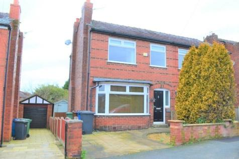 Queensway, Swinley, Wigan, WN1. 3 bedroom semi-detached house
