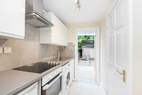 Sussex Way, Holloway, N7. Studio flat